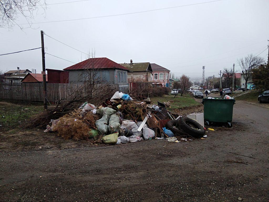 Камышане смогут пожаловаться на мусор экологическому оператору