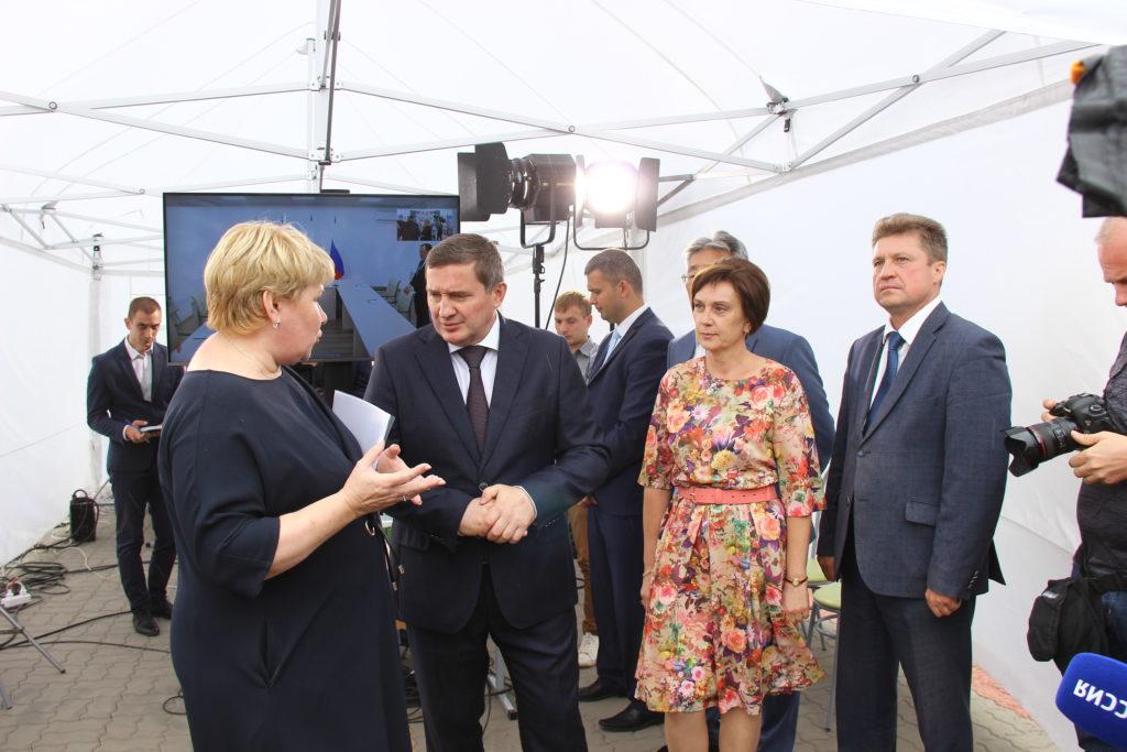 Губернатор Андрей Бочаров, находясь в Камышине, принял участие в селекторном совещании с Дмитрием Медведевым